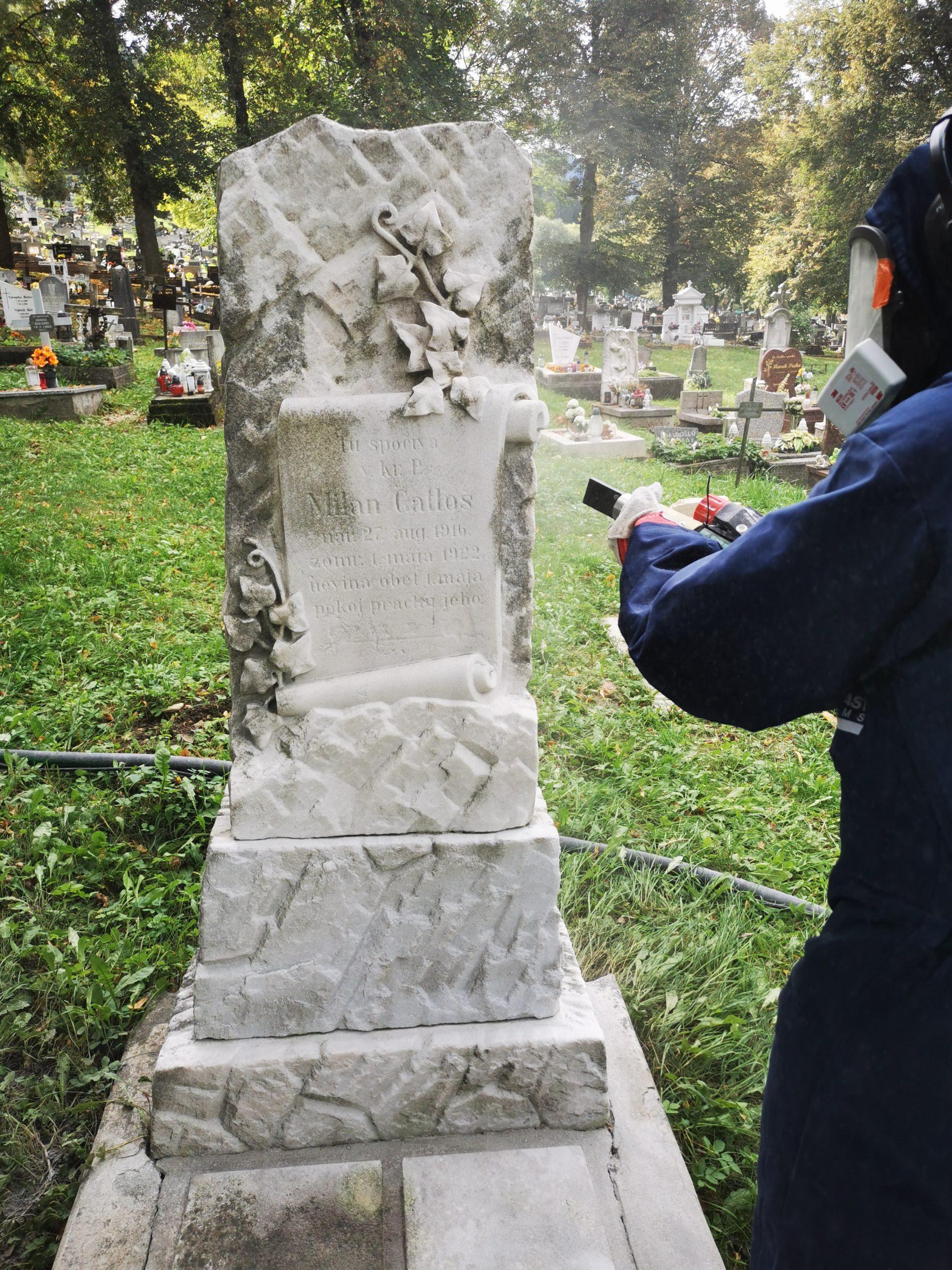 čistenie hrobu/ pomníka