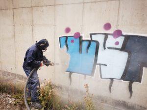 čistenie grafitov