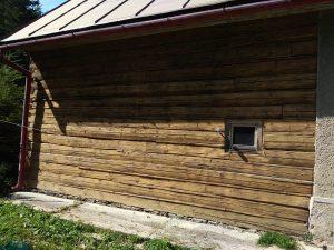 pieskovanie dreveného obkladu