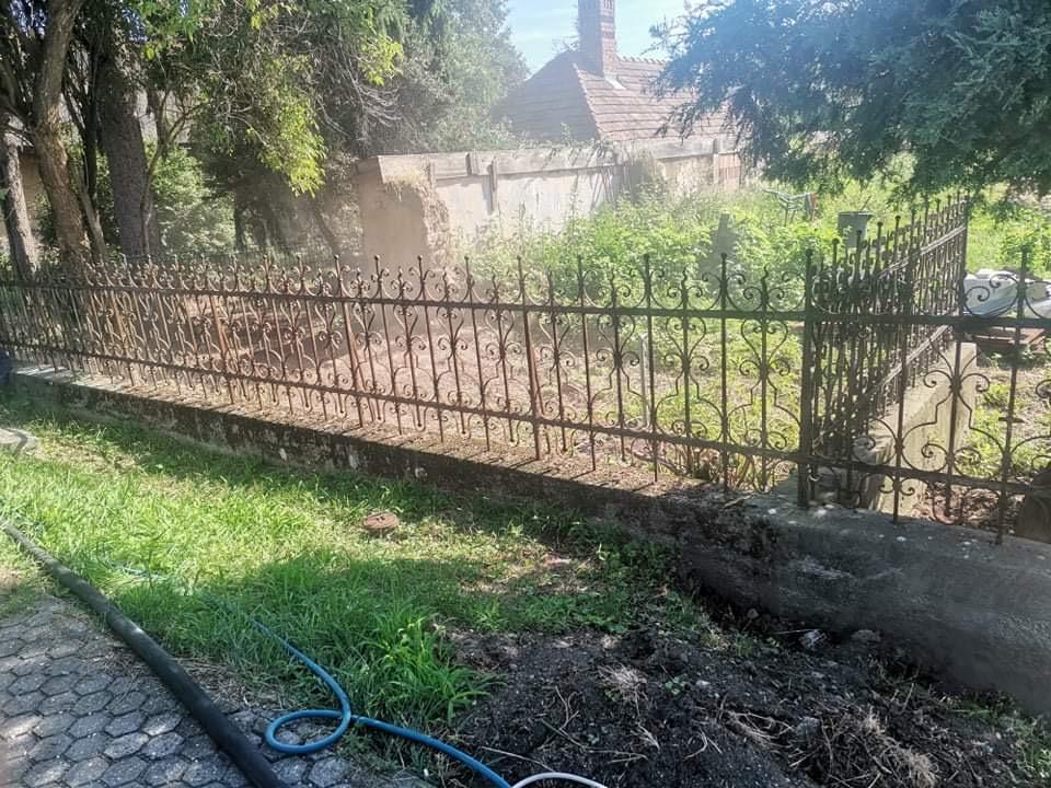 pieskovanie plota